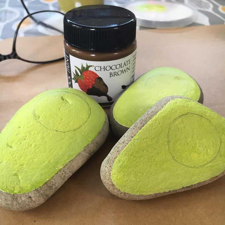 Painted avocado rocks step 04