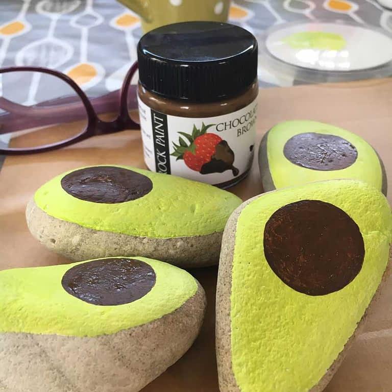 Painted avocado rocks step 05